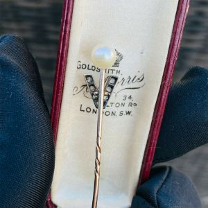 Victorian 15ct/15k 625 Rose Gold Diamond V & Pearl Stick, tie, cravat, lapel pin