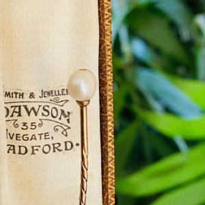 Edwardian 15ct/15k, 625 Rose Gold Pearl Stick, tie,cravat,stock,lapel pin C1905