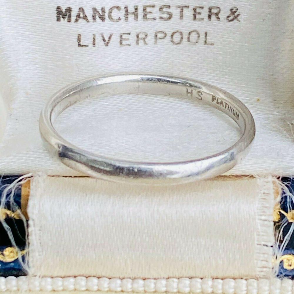 Classic, Platinum PT950, wedding band, stacking Ring, 2.7 grams