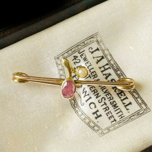Pretty, Victorian 9ct, 9k, 375 Gold Tourmaline & Pearl, berry brooch, lace pin