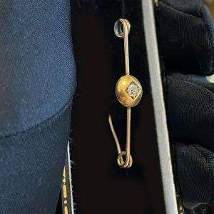 Victorian, 9ct, 9k, 375 Gold Diamond 0.17ct solitaire bar brooch, tie pin, C1900