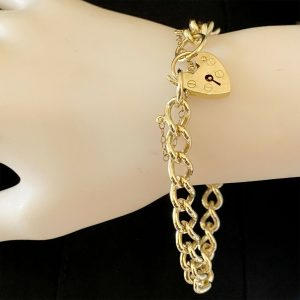 """Vintage, 9ct, 9k, 375 Gold, solid curb link bracelet, Length 7.5"""", weight 22.3g"""