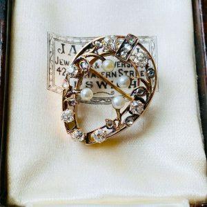 Edwardian, Belle Epoque 14ct Rose Gold, Pearl & Diamond horseshoe brooch, C1901