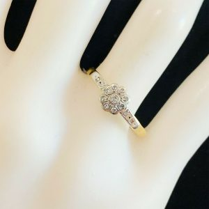 Art deco, 18ct, 18k, 750 Gold & Platinum, Diamond Daisy, cluster engagement ring