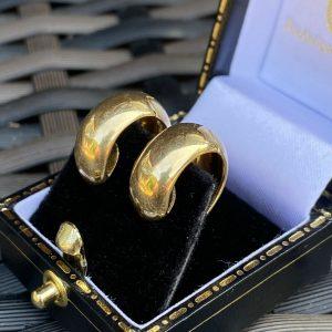 Stunning 18ct, 18k, 750 yellow gold huggie, hoop earrings, 7.5 grams