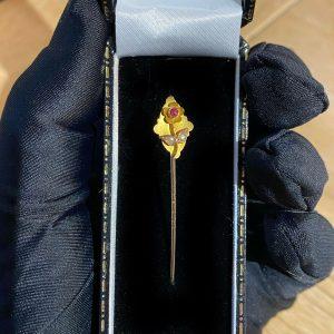 Art Nouveau 9ct, 9k, 375 Gold Ruby & Seed Pearl Flower stick, tie, cravat pin