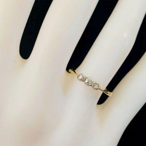 Art Deco, 18ct, 18k, 750 Gold Diamond 0.12ct three stone engagement ring, 1923