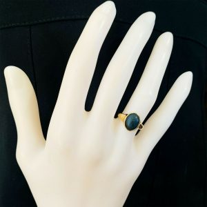 Art Deco 18ct, 18k, 750 yellow Gold Onyx Signet, pinky ring, dated 1926