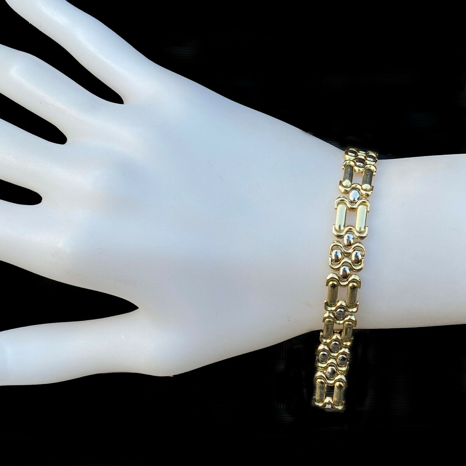 Italian, 18ct, 18k, 750 Gold, solid panther link bracelet with concealed clasp