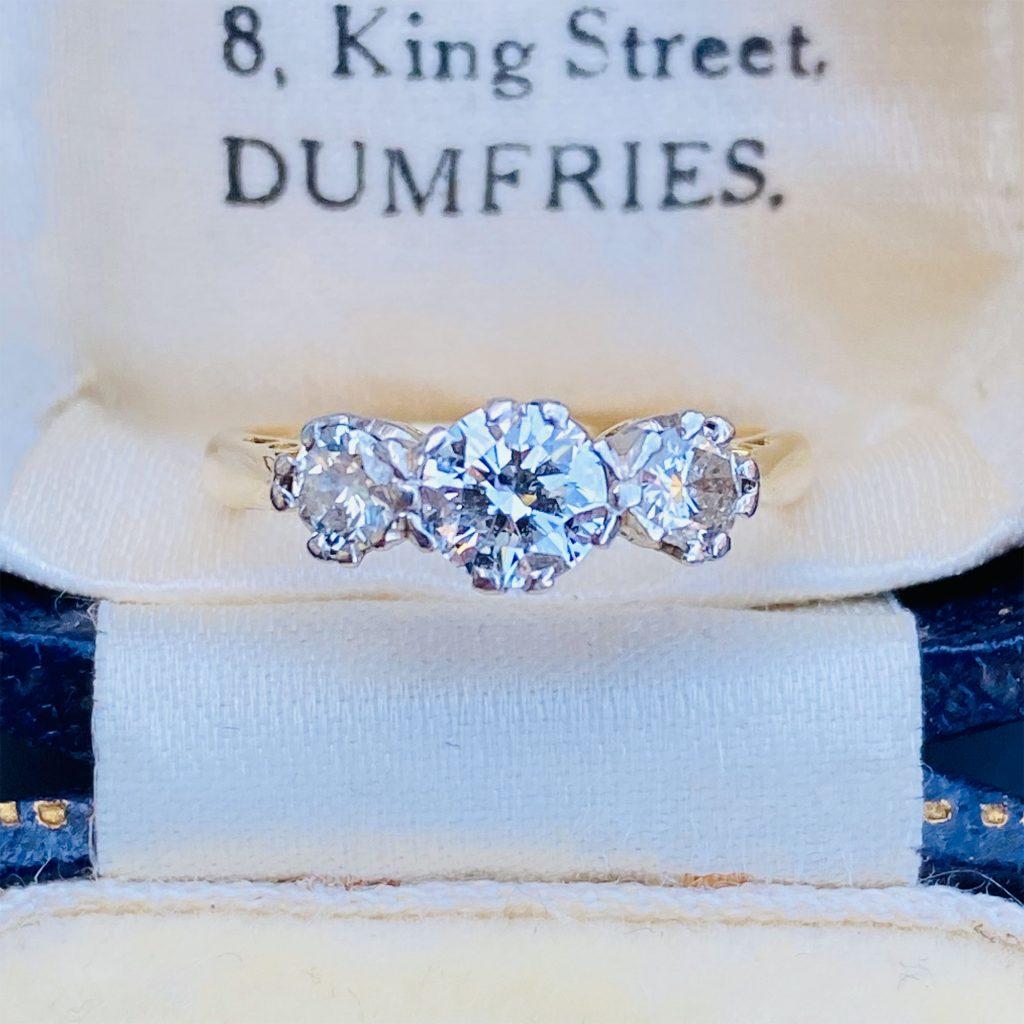 Gorgeous, Vintage, 18ct, 18k, 750 Gold Diamond 0.80ct three stone engagement ring, C1950