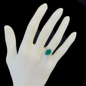 Stunning 18ct 18k, 750 Gold Emerald & Diamond (2.96cts) Cluster, engagement Ring