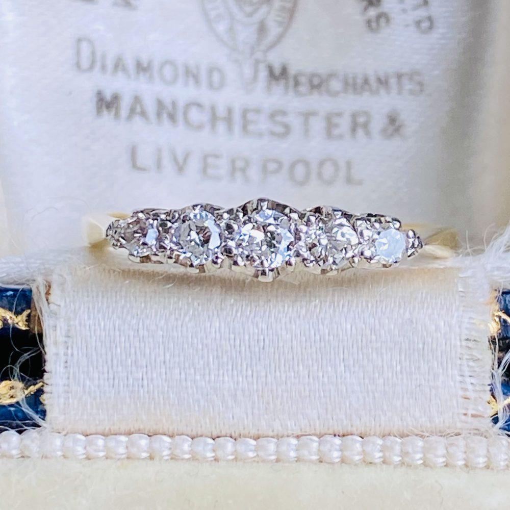 Edwardian 18ct, 18k, 750 Gold & Platinum Diamond 0.29ct Five Stone Ring, Circa 1910