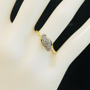 Art Deco 18ct, 18k, 750 Gold, Platinum & Diamond 0.23ct 3-stone engagement ring
