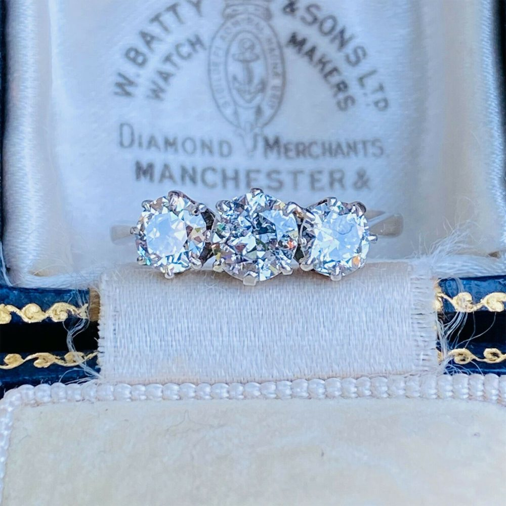 Art Deco Platinum Diamond (1.40ct) three Stone, Trilogy Engagement Ring