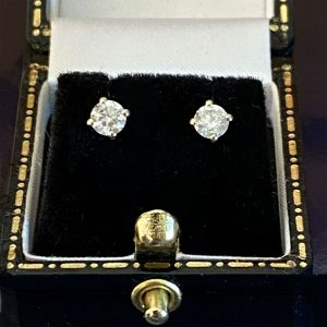 Classic pair of 18ct white Gold Diamond 0.50ct, G/H, SI2 to SI3 stud Earrings